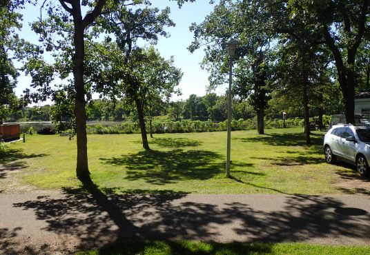 Travelers country club greens golf range